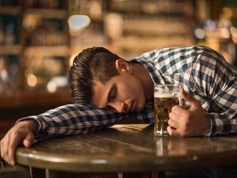 como actuar ante una recaida en el alcohol