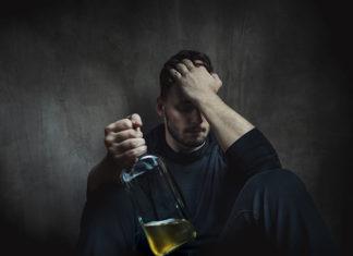 como saber si alguien es alcoholico