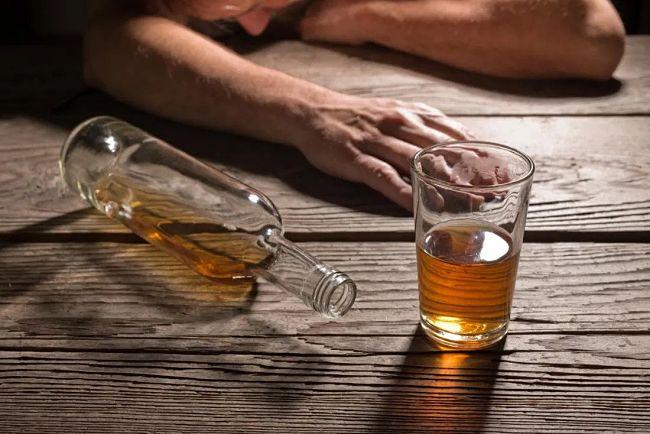 que es alcoholismo
