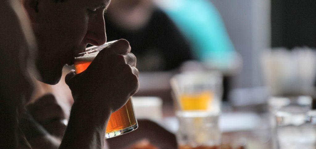 alcoholismo y suicidio