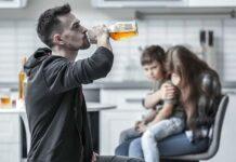 cómo debe actuar la familia de un adicto