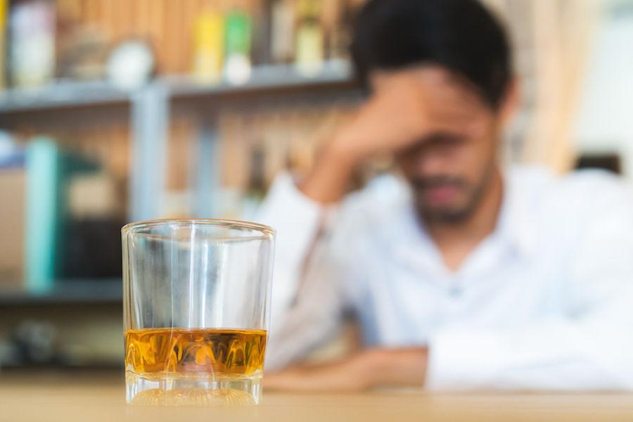 como quitar mareo de alcohol